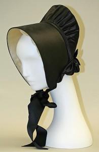 Quaker bonnet on a mannequin